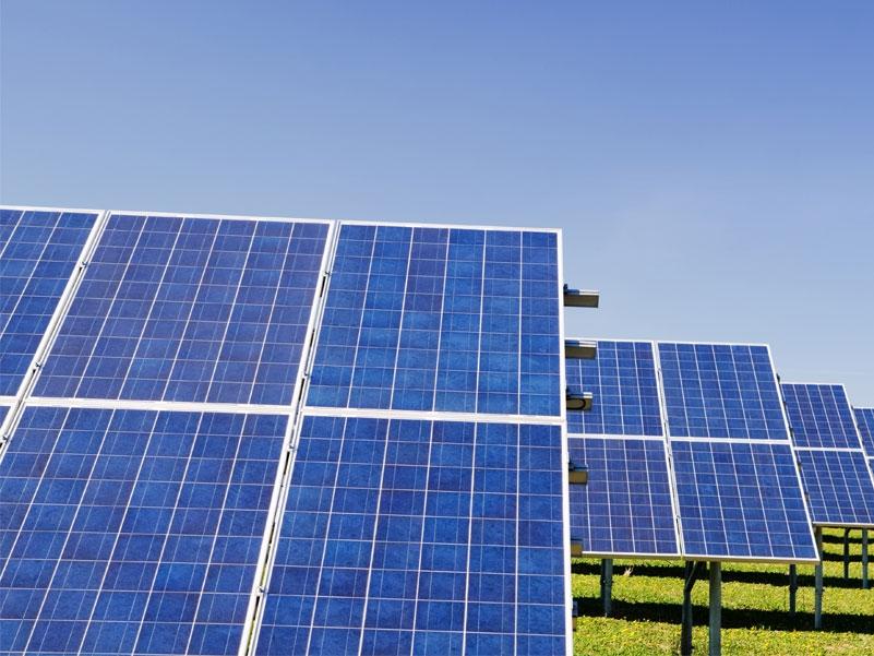 Rinnovabili, Decreto Fer 1 a Bruxelles: priorità alla sostituzione dell'amianto
